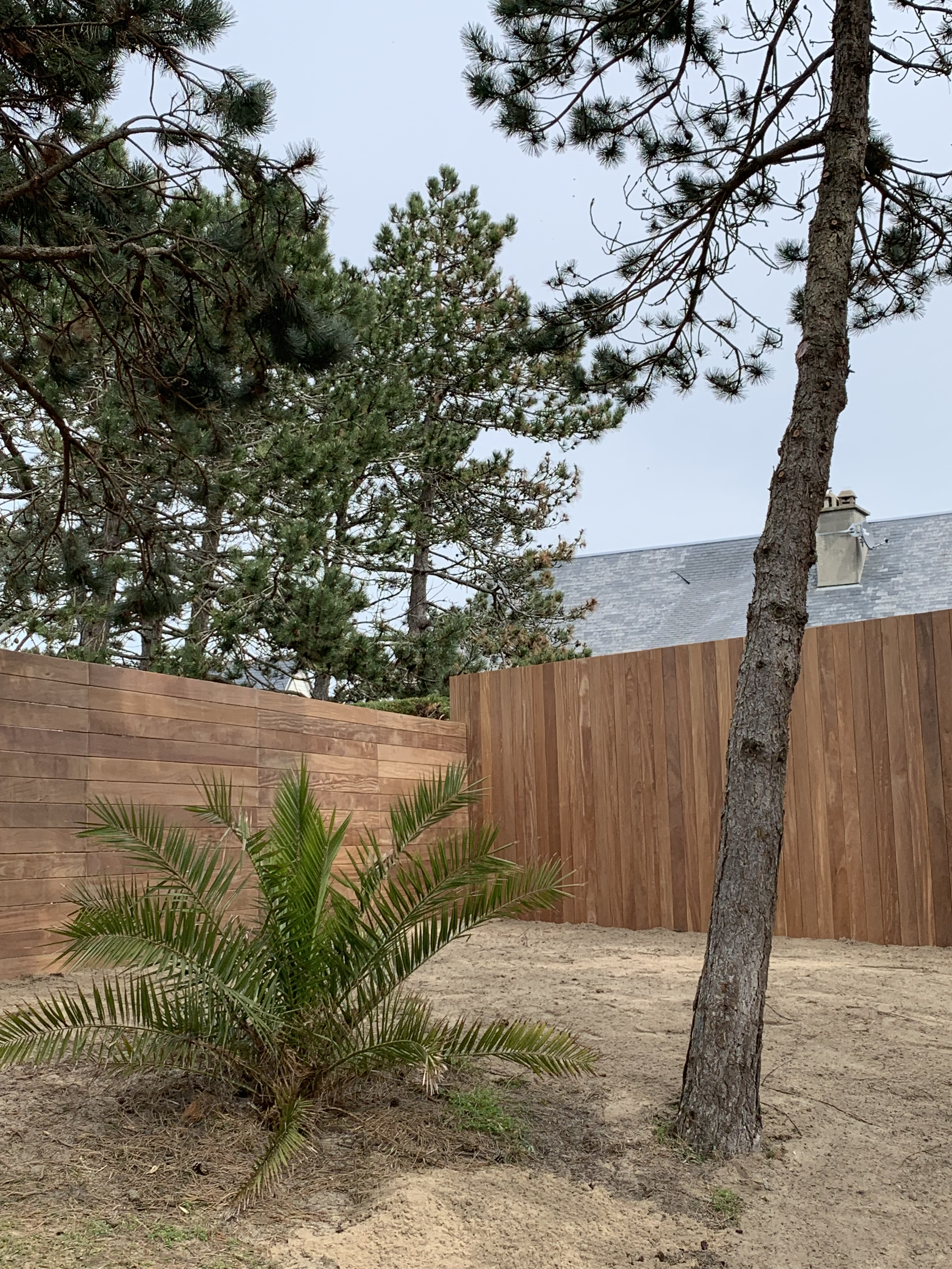 palissade béton et bois pour jardin de Granville